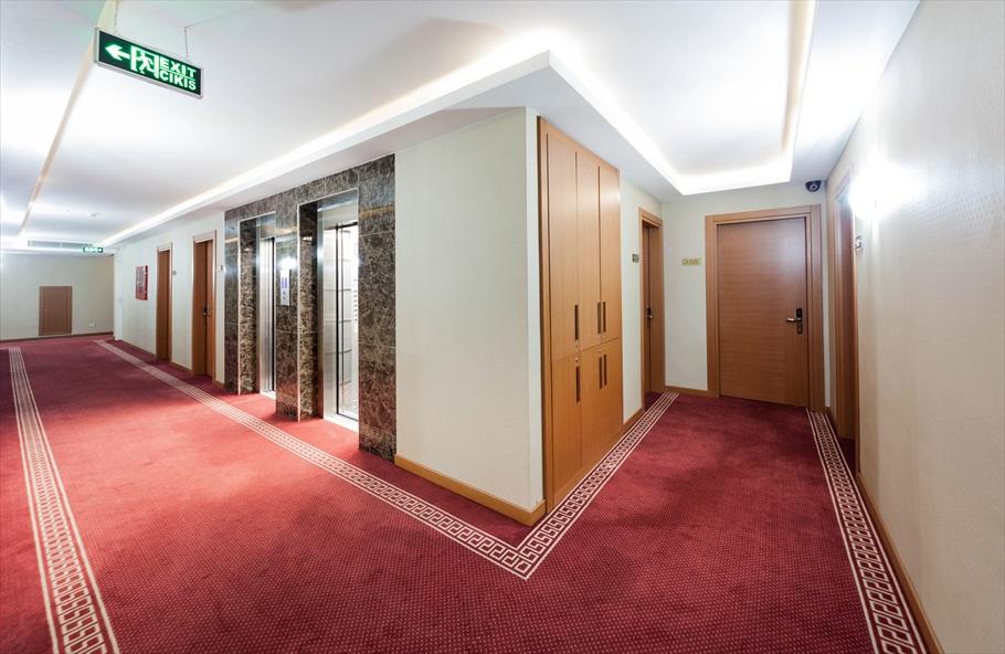 otel koridorları